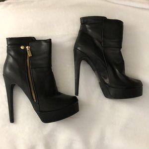 Shoedazzle Zipper Platform Ankle Bootie